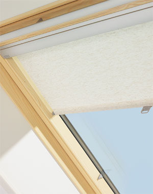 velux roof window gzl with flashing blackout roller. Black Bedroom Furniture Sets. Home Design Ideas